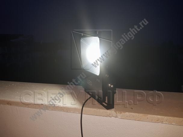 Прожектор светодиодный на солнечной батарее 30 Вт - 5853 в Актобе 3